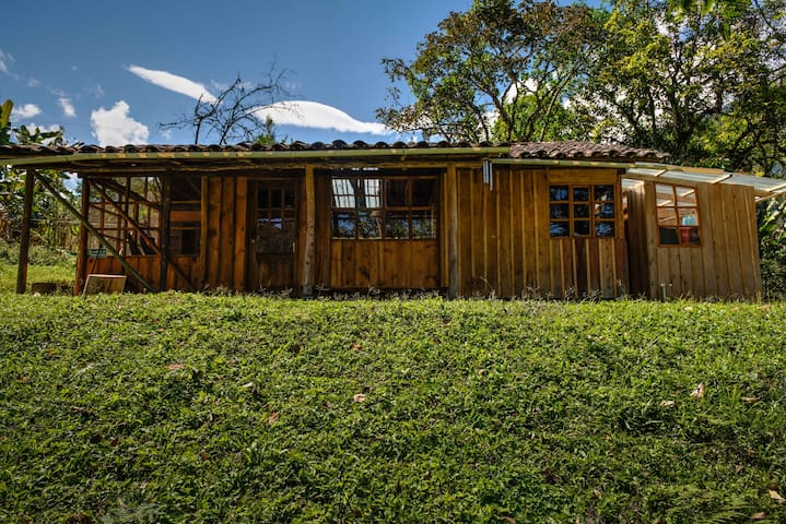 Intag Colibri Farm - Cloud Forest Cabins Ecuador