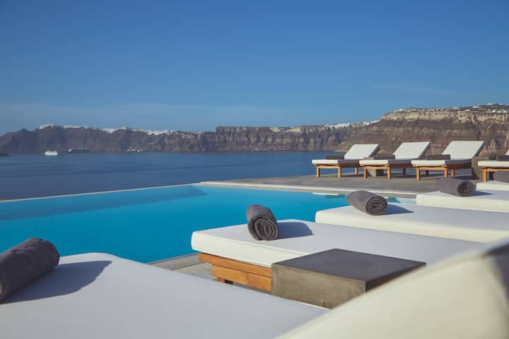 Akrotiri Private Residence, use of 3 bedrooms