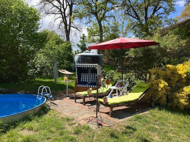 Haus mit entspannten Garten inkl. Pool nahe Dömitz