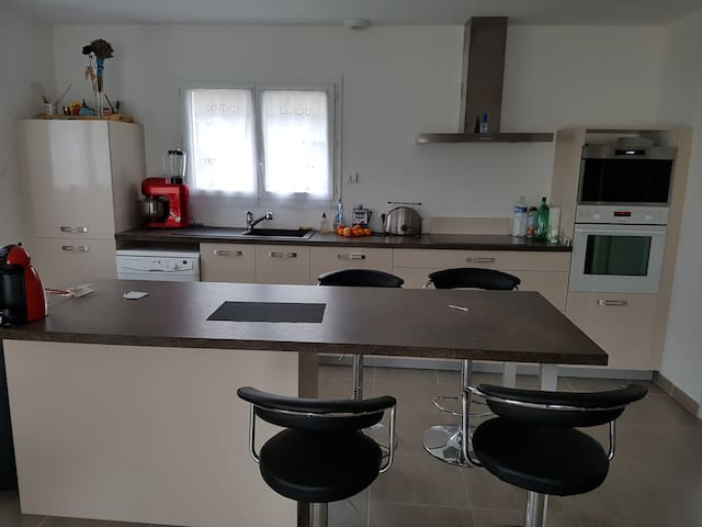 Belle maison neuve dans environnement très calme - Le Pian-Médoc - Hus