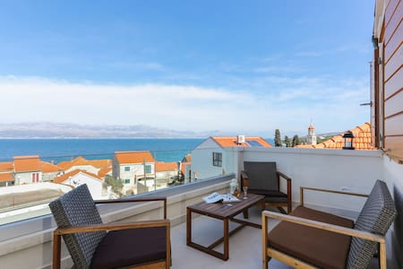 Apartment M&J - Two Bedroom Apartment with Terrace and Sea View