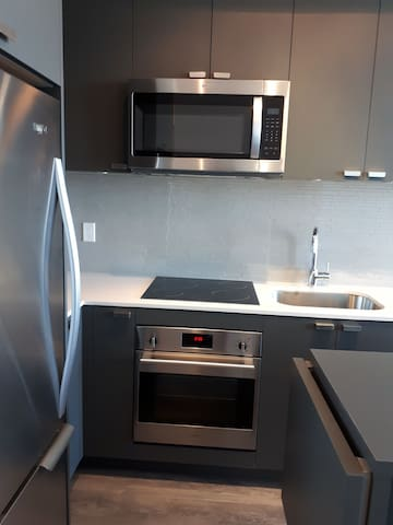 Brand new 2BR+1 bath by Fairview Mall area