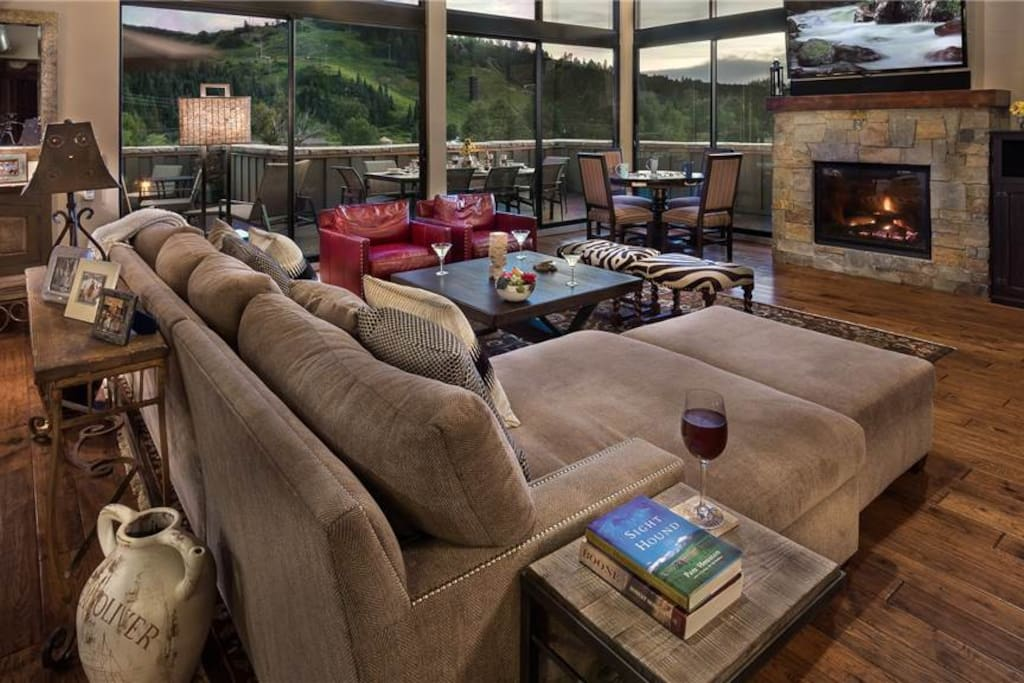 Living Room with Views of Emerald Mountain
