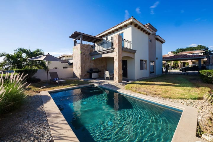 Amazing home with private pool and panoramic views