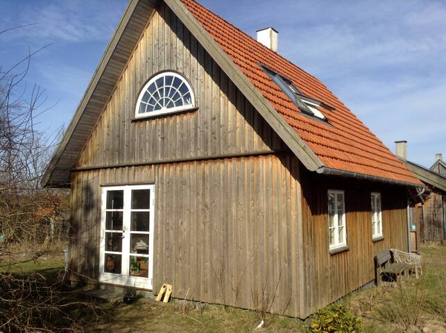 Small wooden house in Dyssekilde - Hundested - House