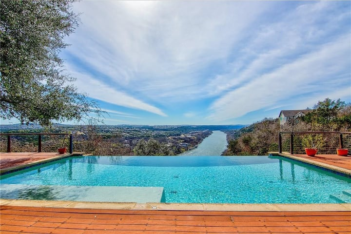 7 Bedrooms • 6 1/2 Bath Lake Austin Estate