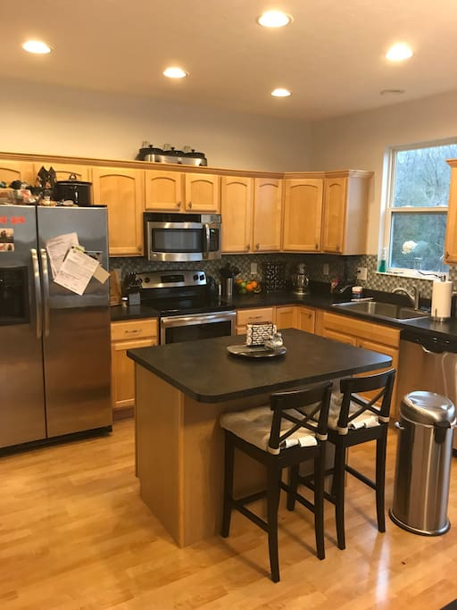 Kitchen with all appliances. BYOB & BYOF. feel free to use any of our dishes/cookware!