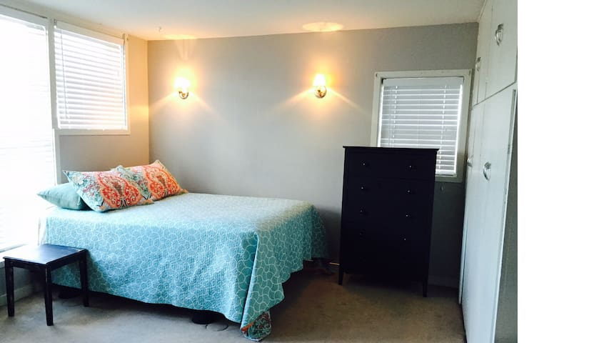 Cozy Downtown Carriage House - Spearfish - Hus