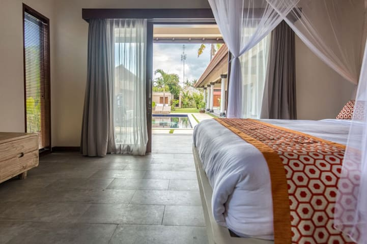Ensuite room in luxury villa - Nusapenida - วิลล่า