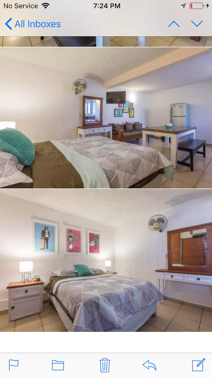 Beautiful Large studio with A/C.  Romantic Zone.