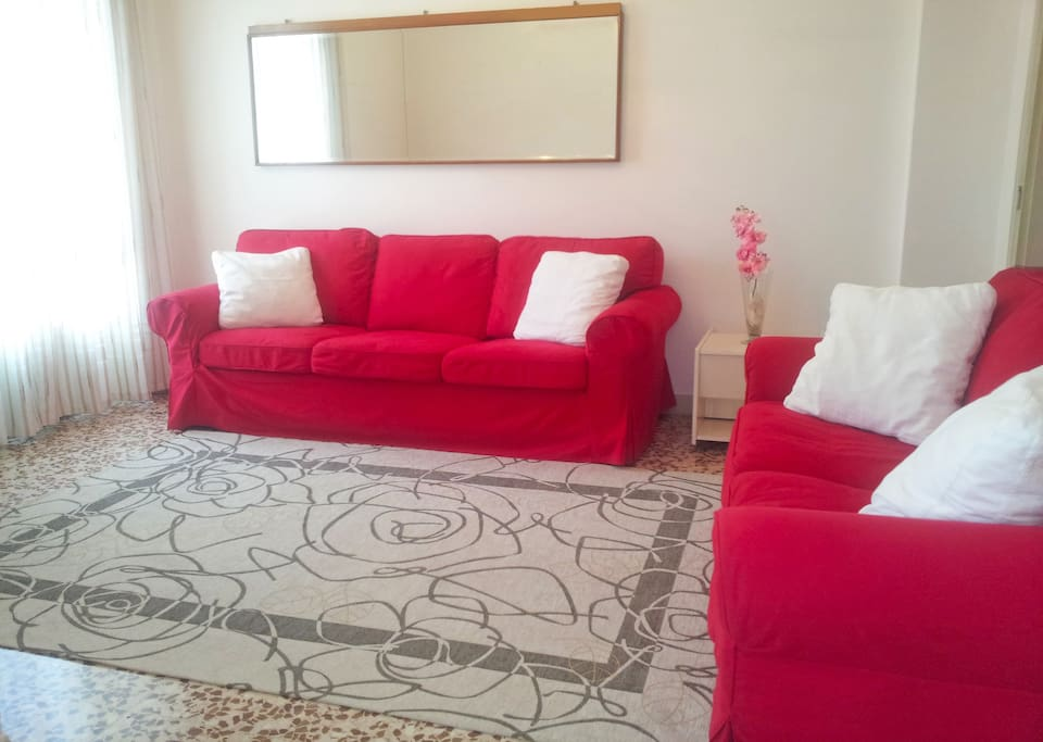 THE LIVING ROOM WITH 2 SOFAS