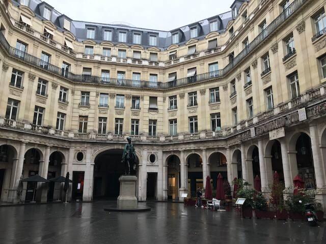 Studio - Place Edouard VII