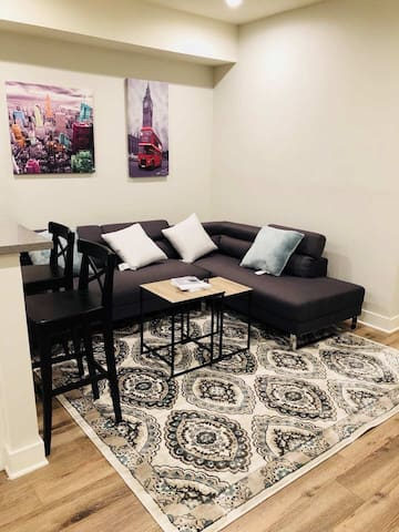 Downtown luxury suites style private room!