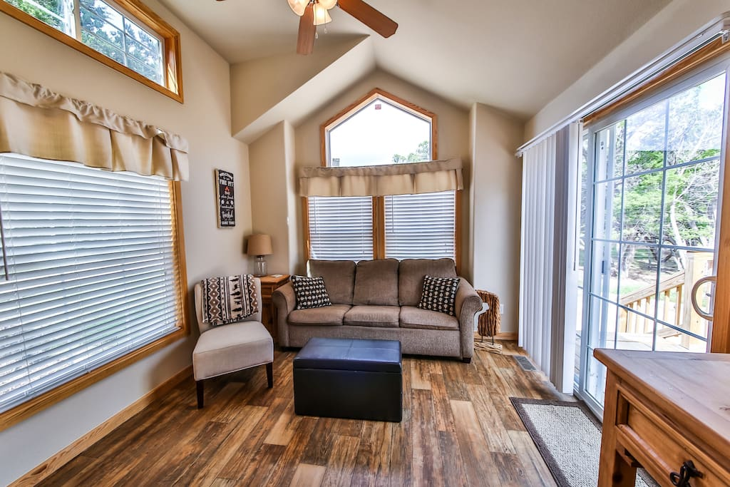 Texas hill country cabin s with pool access cabins for for Texas hill country cabin rentals