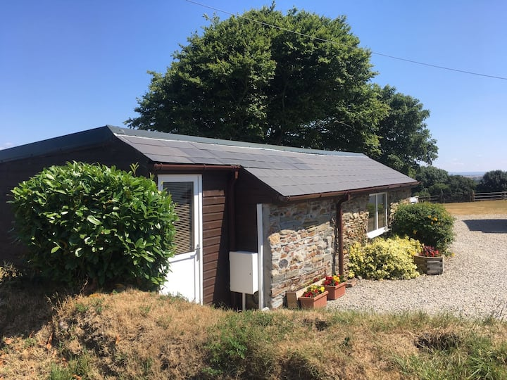 Leanhill Cottage (Detached Self Contained Lodge)