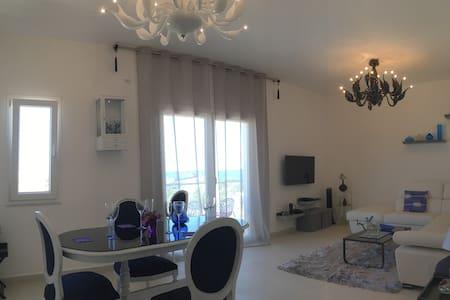 Brand New Designer Apartment With Seaview - Naxxar - Apartment