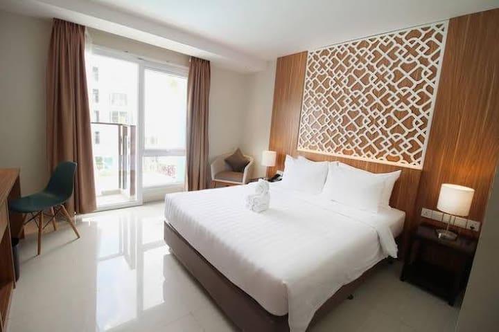 astara hotel family bedroom