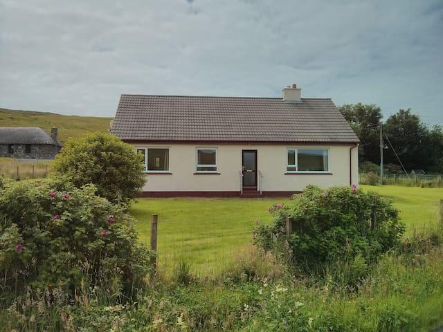 Conon View, Sheader, Uig - Uig - Casa