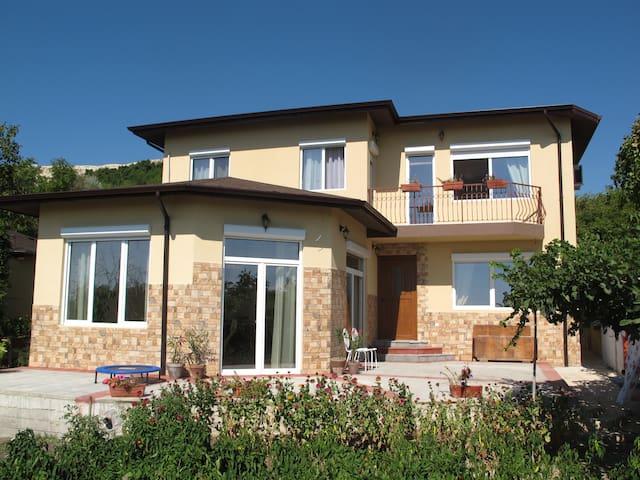 Villa Smokinja - Balchik - Casa