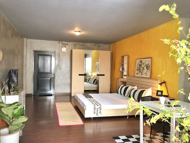 TwoThumbs up•Loft•BathTub•40sqm.A walk to MRT