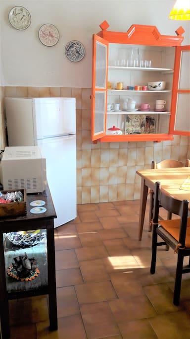 Well equipped kitchen-dining zone / cucina ben attrezzata- zona