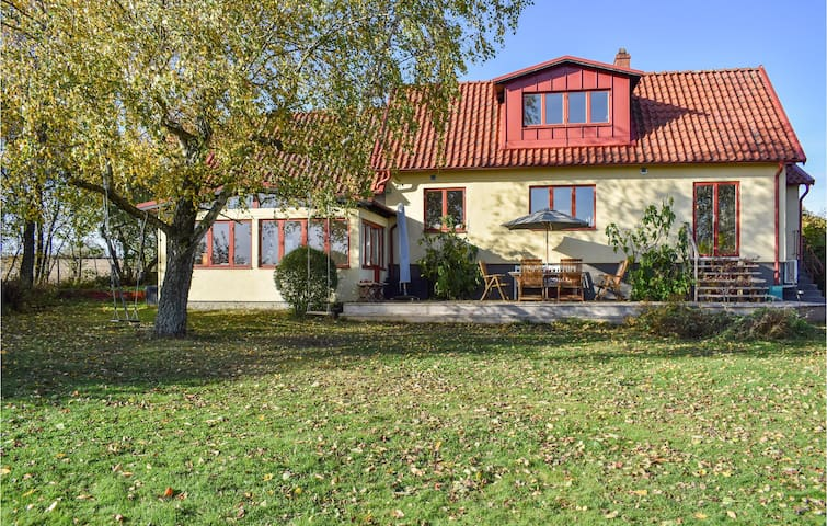 Holiday cottage with 4 bedrooms on 150m² in Kivik