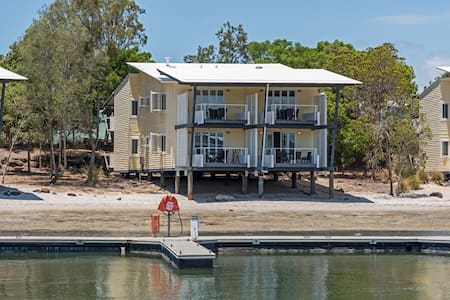 Couran Cove Delux Marine Appartment - South Stradbroke