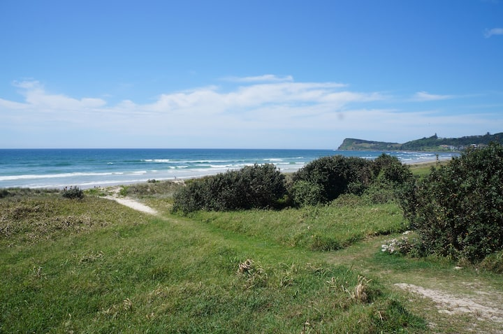 Lennox Head Beachfront Airconditioned Apartment