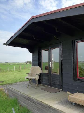 Vrijstaand romantisch huisje, prachtig uitzicht.