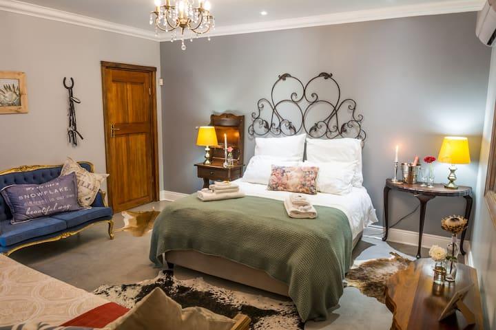 Devondale Guest House and Venue