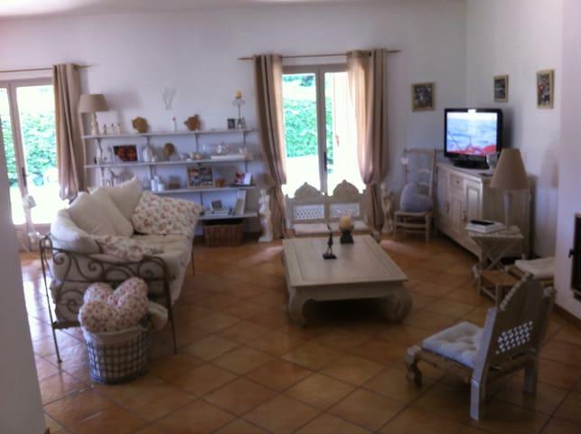 Maison proche Avignon idéale escapade en Provence - Barbentane - Casa