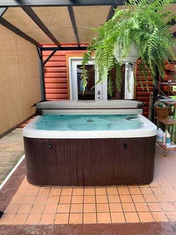 Jacuzzi is $20.00 per day extra  or ($50.00 per week)  Semi private for exclusive use of Unit C.