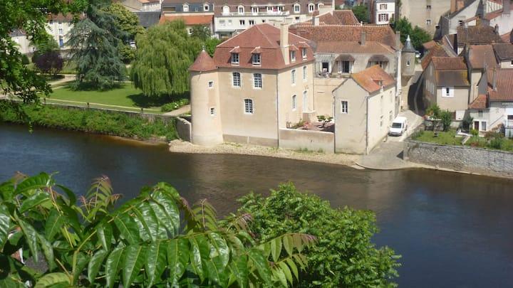 Fully restored 17th century mansion