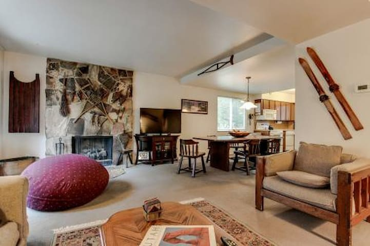 Summer Specials Starting at $1800/month - Cottonwood Heights - Maison