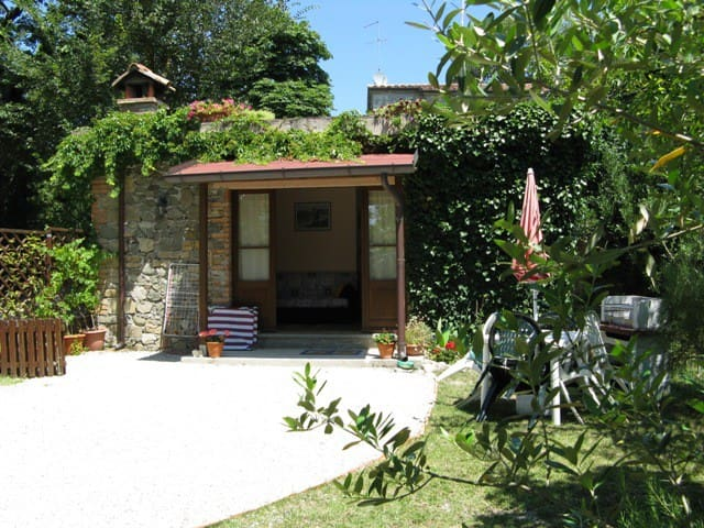 Villa Cresta Cosy Single storey detached apartment - Caprese Michelangelo