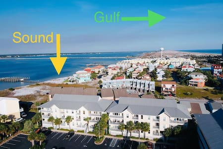 Navarre Beach CLEAN, cozy condo! FIRST FLOOR!
