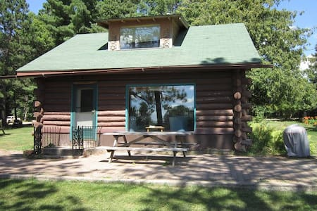 The Farm By The Lake - The Log Cabin - Bagley - Kisház