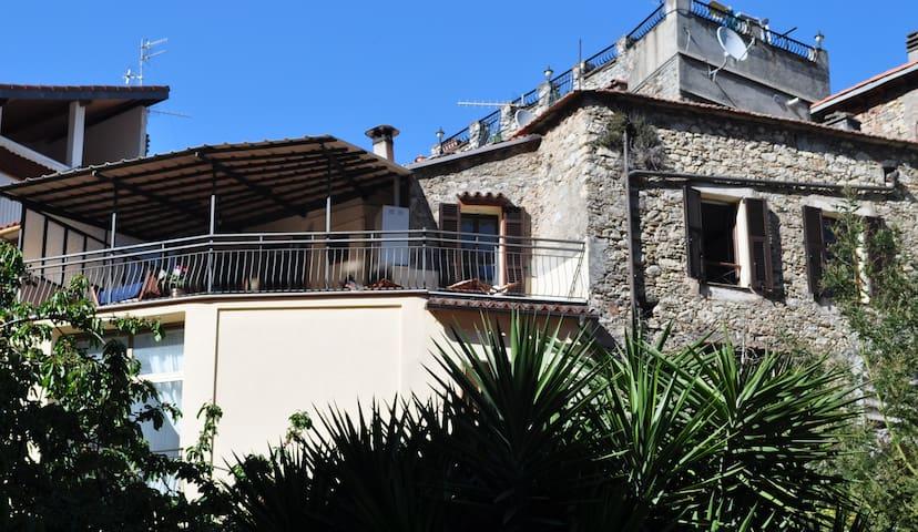 Fin våning med fantastisk utsikt - Olivetta San Michele - Daire