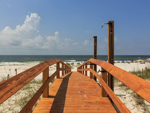 Summer Salt West-Direct Gulf Front/Pool/Sleeps 24