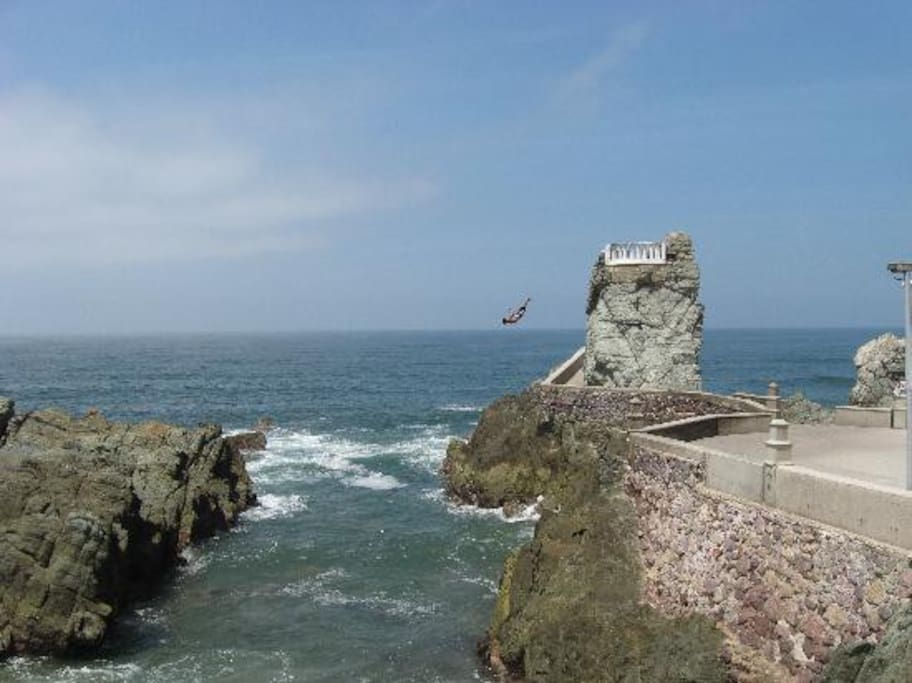 Cliff Diver in Mazatlan... an amazing experience to see
