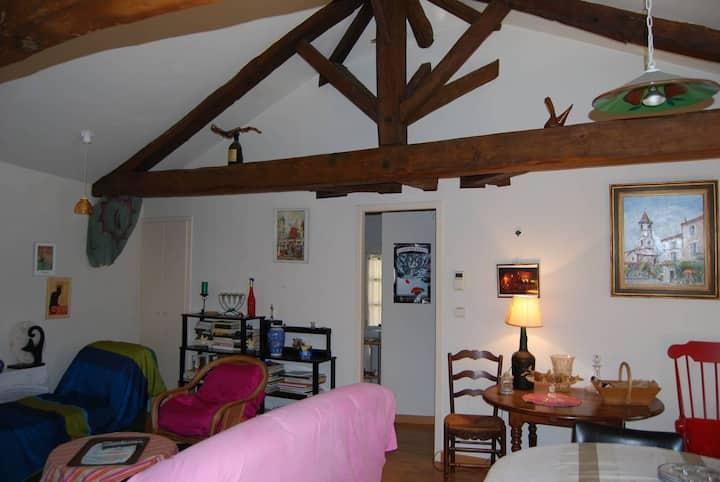appartement confortable au centre du village.