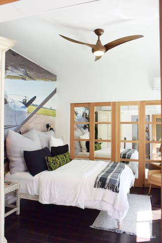 Ceiling fan for extra comfort.