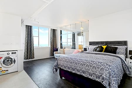 HIP HOP THROW TO BONDI BEACH! aircon pool wifi - Bondi - Apartment