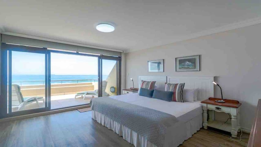 Main bedroom with great sea view and large private patio.