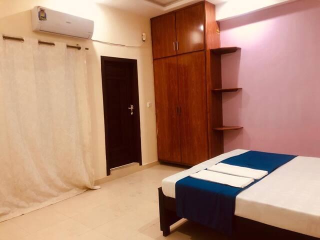 Tour De Pakistan Lodges Master bedroom 2B
