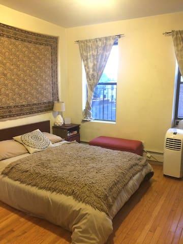 PRIME Williamsburg + LARGE bohemian room - Brooklyn - Appartamento