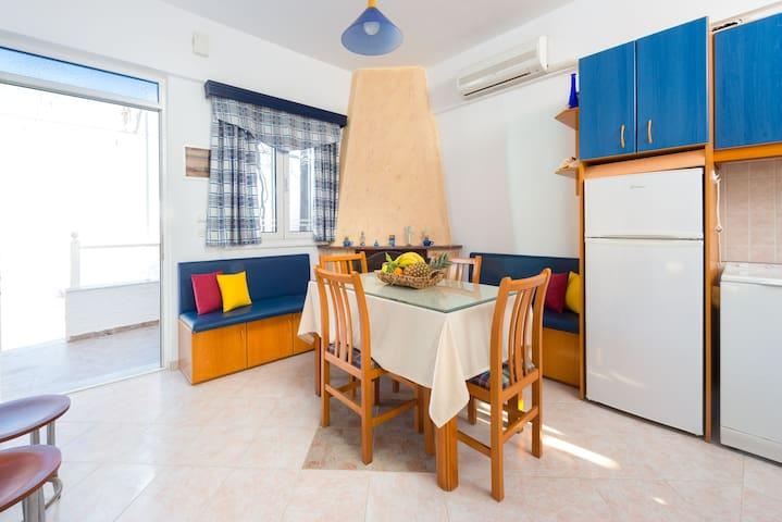 Sunny Beach Stegna (30m from the Beach) - Stegna - House