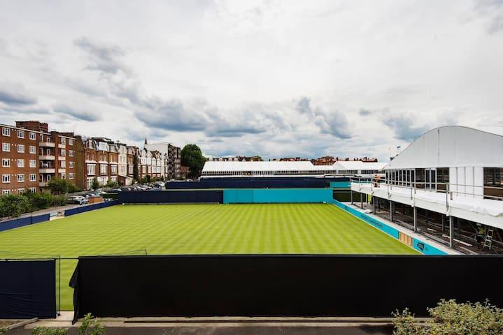 Amazing 1 Bed flat overlooking Queens Tennis Club