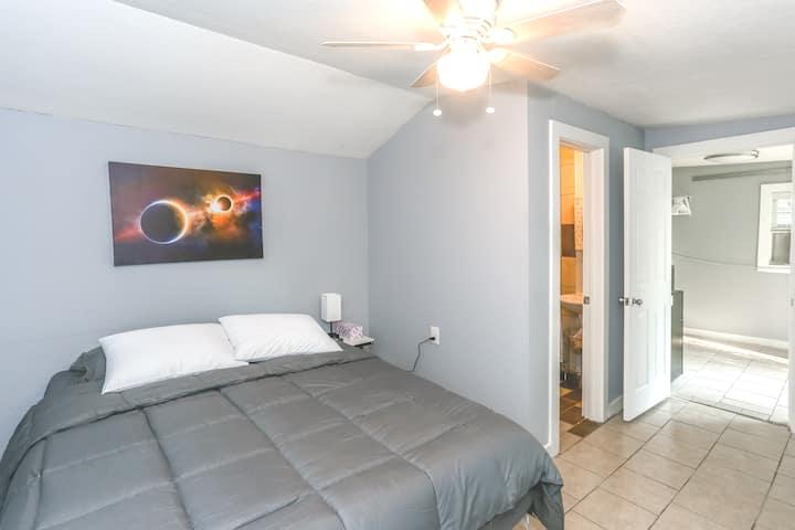 Houston Heights Space City Studio. *SUPER VALUE*
