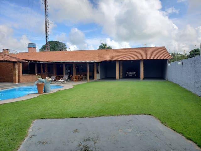 Casa em Aruanã, para até 30 pessoas
